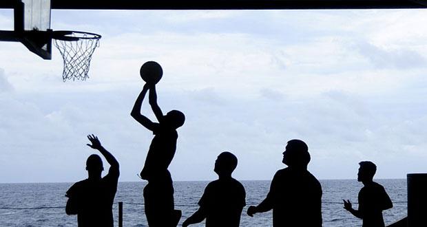 Osobine ličnosti i traženje uzbuđenja kod aktivnih sportaša i osoba koje se ne bave sportom