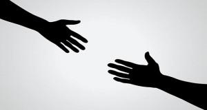 Zašto ljudi pomažu? Isti postupak – različiti motivi.